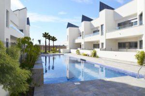 Villa Amalia II, 2 soveroms Leligheter 300m fra sjøen med takterrasse i Torrevieja
