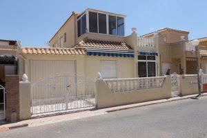 3 soveroms rekkehus med takterrasse i Torrevieja