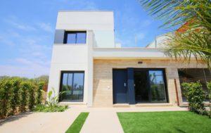 Alyssas Villas, 3 soveroms villa 200m fra stranden i Torre de la Horadada